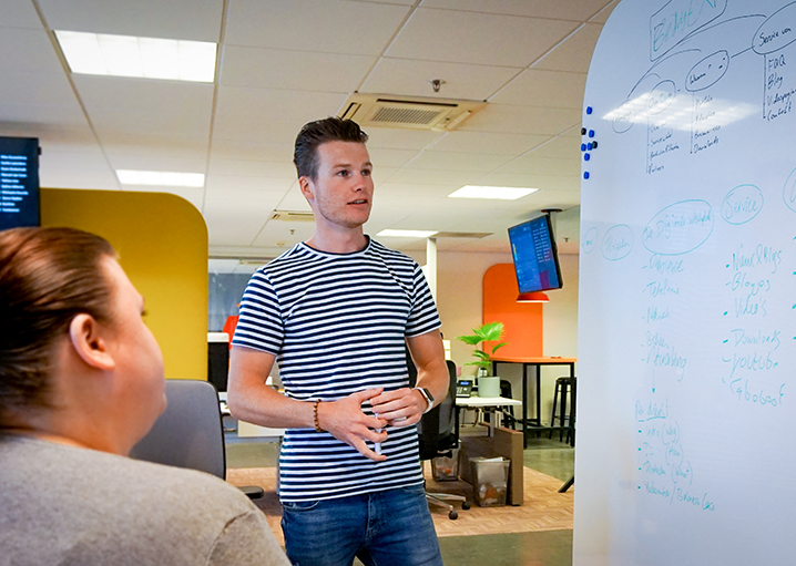 Foto van een UX Designer voor een navigatiestructuur